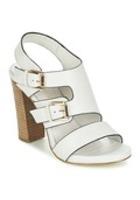 Hvide sandaler