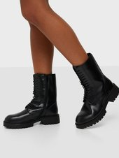 Duffy Classic Leather Lace Up Boots Flat Boots