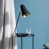 Lampe I Sort Og Messing