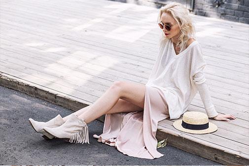 Pige i hvid kjole