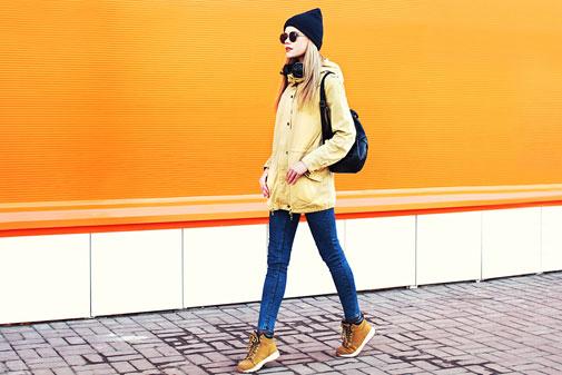 Pige-orange-jakke