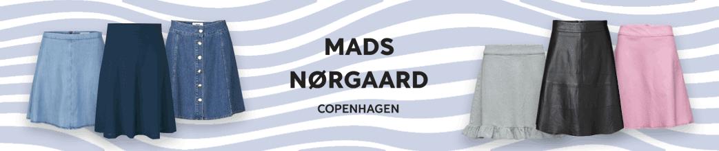 Mads Nørgaards nederdele og logo på stribet baggrund